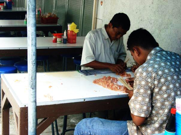 Jakarta, Wahid Hasyim - , Sate à la Table