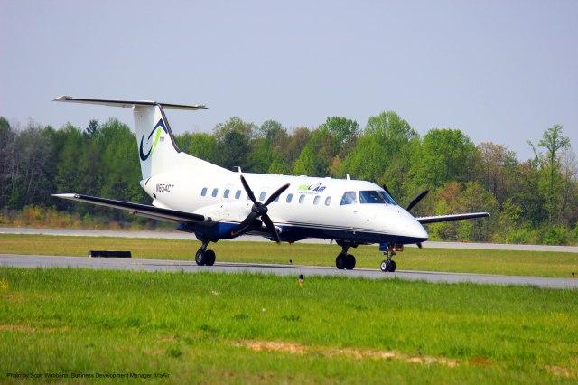 ViaAir EMB-120 taxi in